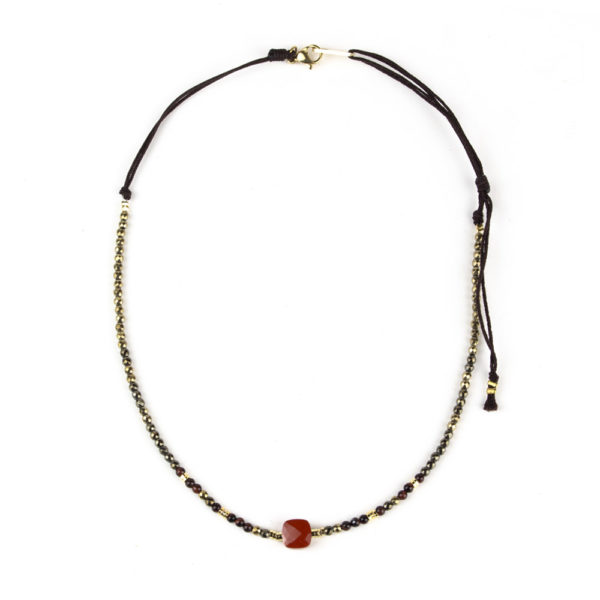 zag-collier-pierre-rouge-2